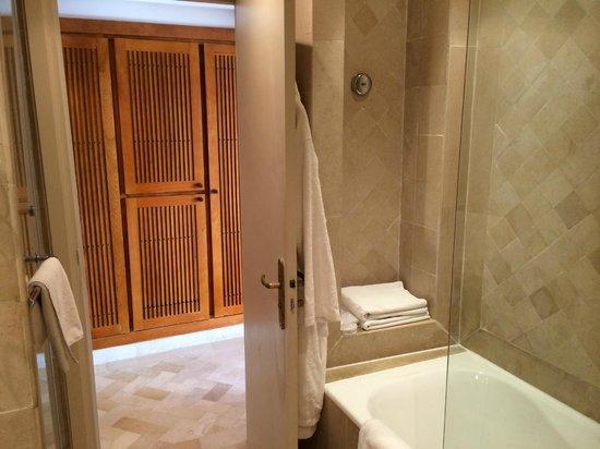 Radisson Blu Ulysse Resort & Thalasso Djerba: Salle de bains