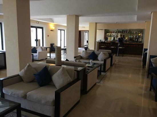 Radisson Blu Ulysse Resort & Thalasso Djerba: Bar