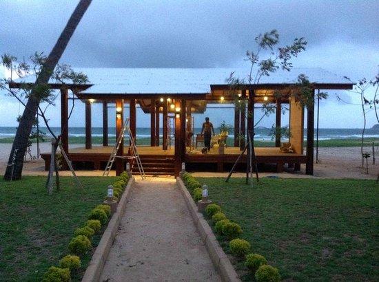 Nilaveli Beach Resort Sea Side Restaurant