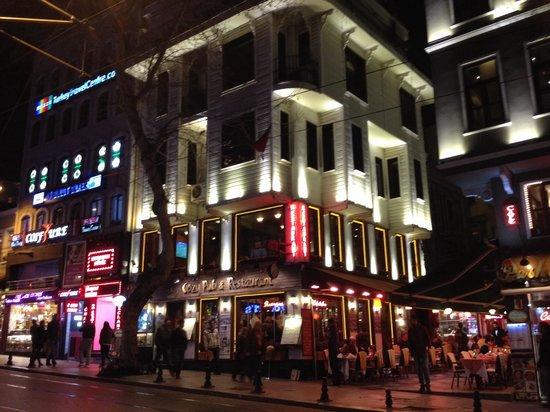 Cozy Bar and Pub : COZY Pub