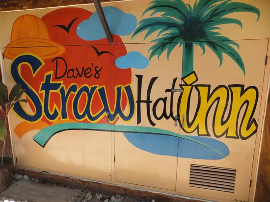 Dave's Straw Hat Inn: Front entrance