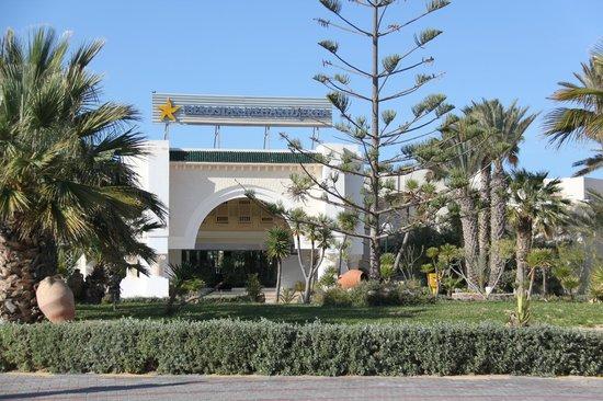 Iberostar Mehari Djerba: Vue de l'entrée de l'hôtel