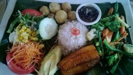 Los Lagos Hotel Spa & Resort : Vegetarian version of Casado, the typical Costa Rican dish