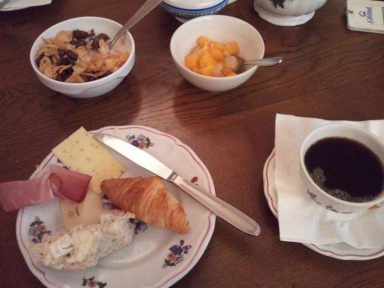 Couvent des Franciscains: завтрак