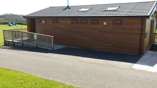 Whitehill Country Park: Fantastic clean shower block!!!