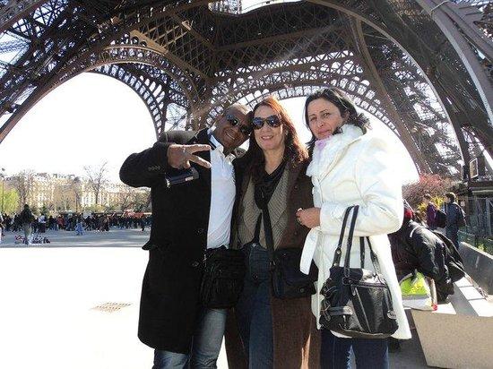 Tour Eiffel : Passeio com amigos