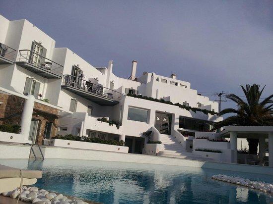 Ilio Maris Hotel : El hotel desde la piscina