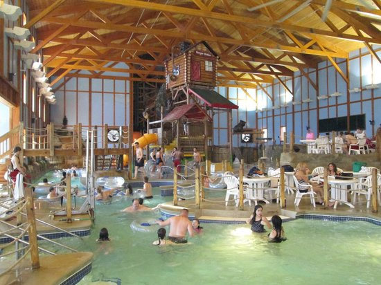 Grizzly Jack's Grand Bear Resort: WaterPark Pic