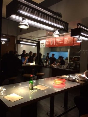 Chipotle Mexican Grill: Comida mexicana hipster