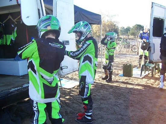 Mx Try Out: Kitting up time. Any colour as long as it's green.