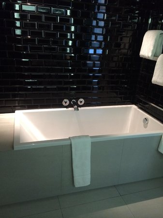 W Bangkok: 浴室