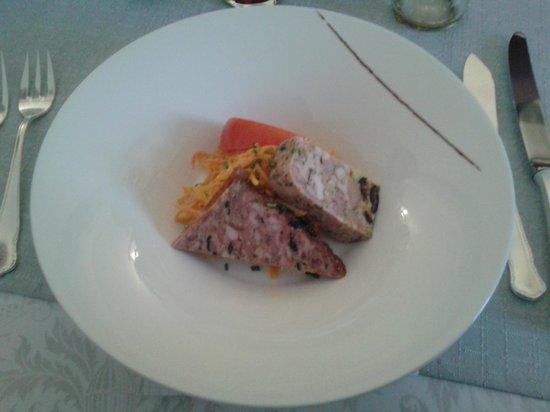 Restaurant Taverne Alsacienne : Duo de terrines et crudités aux deux carottes