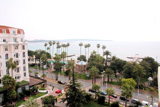Hôtel Barrière Le Majestic Cannes: Вид с балкона номера