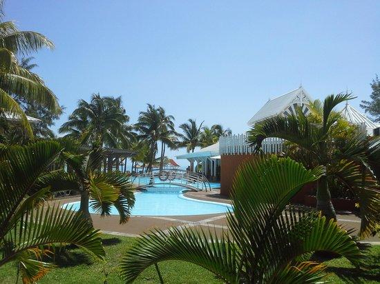 Preskil Beach Resort: vue piscine