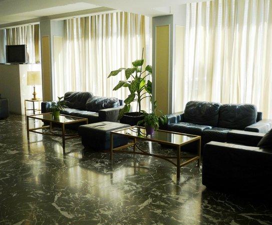 BEST WESTERN Candia Hotel: Холл
