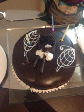 Hotel Riu Kaya Palazzo: Husbands birthday cake made by patisserie