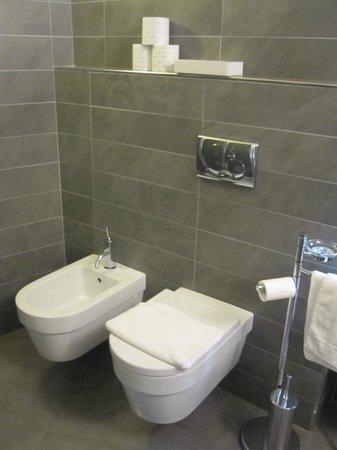 Hotel Margherita : Junior suite: Excellent and clean bathroom