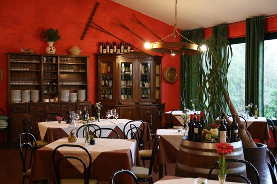 Bolgheri, อิตาลี: scorcio della sala 2014
