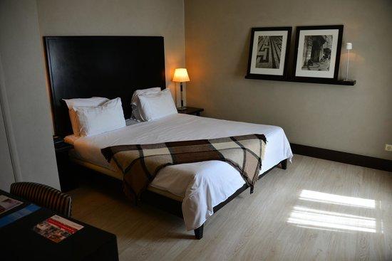 Hotel NH Collection Lisboa Liberdade : room