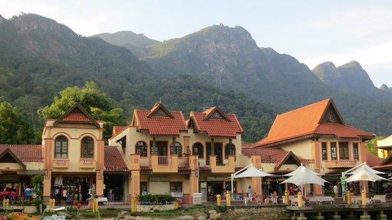 Berjaya Langkawi Resort - Malaysia: Village close by
