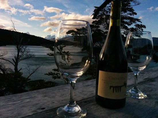 Patagonia Camp : Drinks on the patio