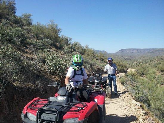 Arizona Outdoor Fun: Taking a water break!