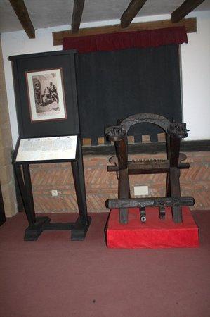 Museo de la Inquisición: Silla de la tortura