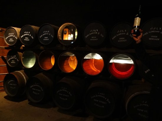 The Jameson Experience : Different age of whiskey