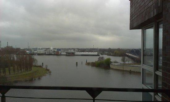 Holiday Inn Hamburg: view from the room
