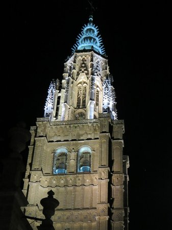 Catedral Primada: Cathedral at night