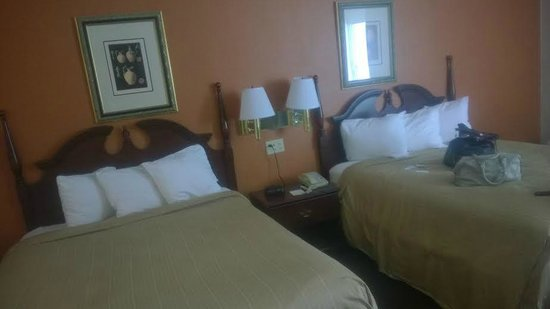 Days Inn Birmingham AL: Upgraded Double Queen. 2014