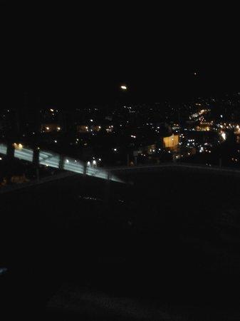 The Panoramic Bar & Restaurant : Panorama di Tirana dall'alto