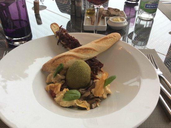 Restaurant le 45: Зелёное - это яйцо