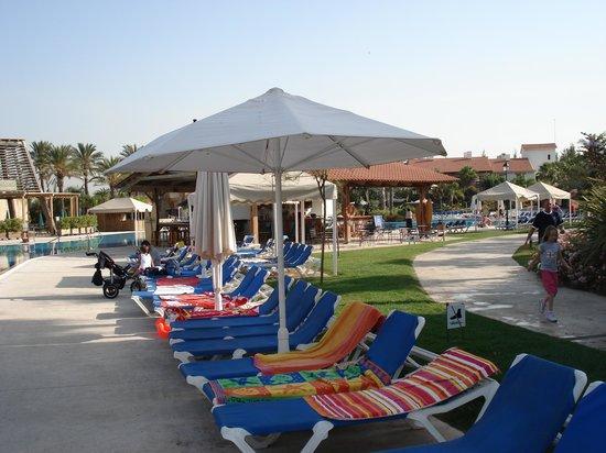 PortAventura Park: autour de la piscine de l'hotel