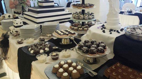 Tui Sensimar Grand Hotel Nastro Azzurro : Save room for dessert!