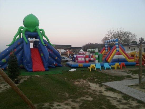 Lo Zolfino: l parco giochi per i bambini per farli divertire mentre i genitori mangiano in tranquillità