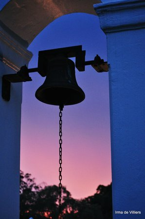 Tsitsikamma Village Inn: Slave Bell in garden