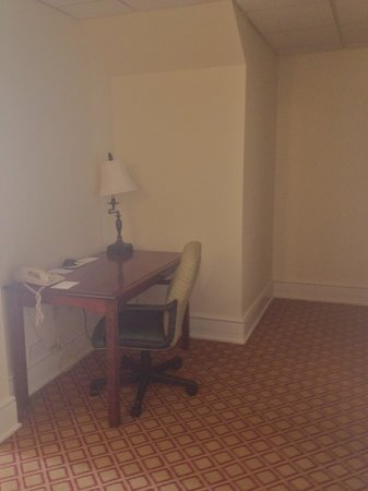 Residence Inn Cleveland Downtown: desk downstairs