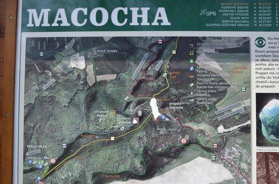 Macocha Abyss: Macocha