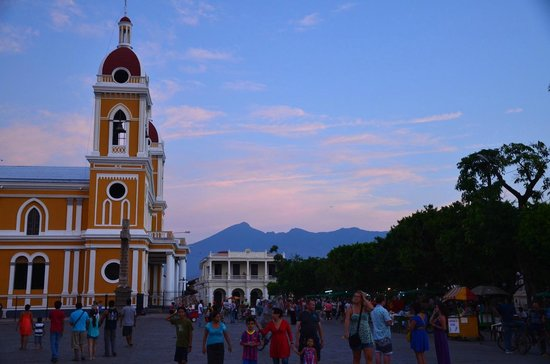 Catedral de Granada: Sunset view from the main square
