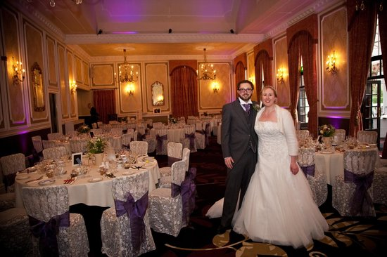 Ringwood Hall Hotel : The Ringwood Suite (Shakespeare Photography)