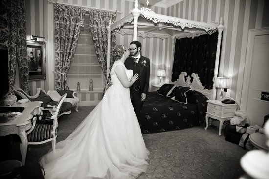 Ringwood Hall Hotel : Room 121 used as the honeymoon suite (Shakespeare Photography)