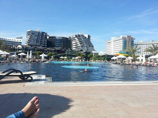 Limak Lara De Luxe Hotel&Resort : from the outdoor pool view