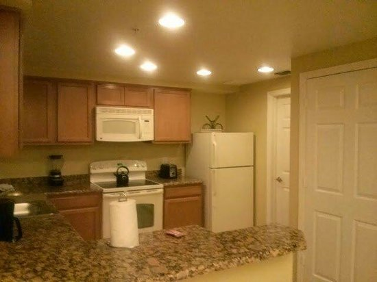 Vacation Village at Parkway: Kitchen side A