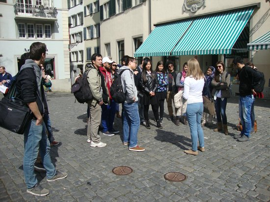 Free Walk Zurich: Maria our guide explaining to the group