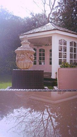 Langtry Manor Hotel: Beautiful garden