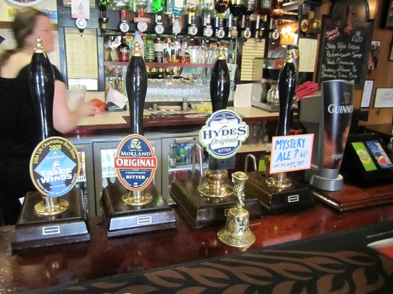 Laurie Arms Hotel: Typical range of beers.