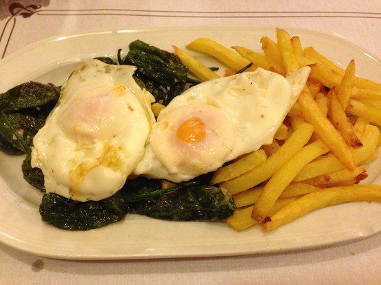 Meson Rampalay : Patatas, huevos y pimientos de padrón