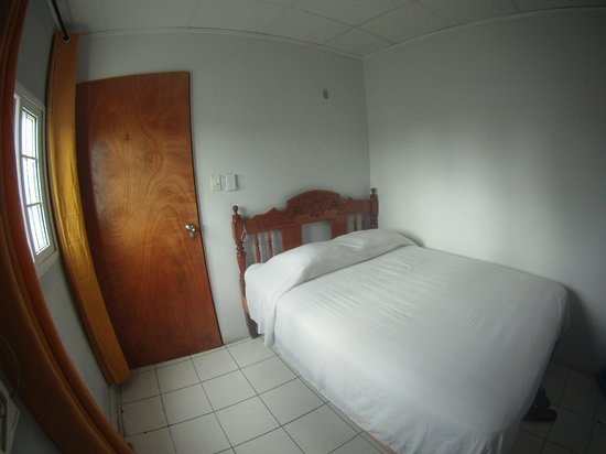 Hostal Caribbean Lodge: Private room