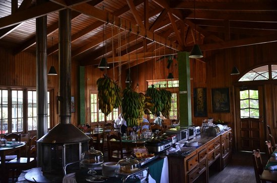 Los Quetzales Lodge Restaurant: Very nice atmosphere!